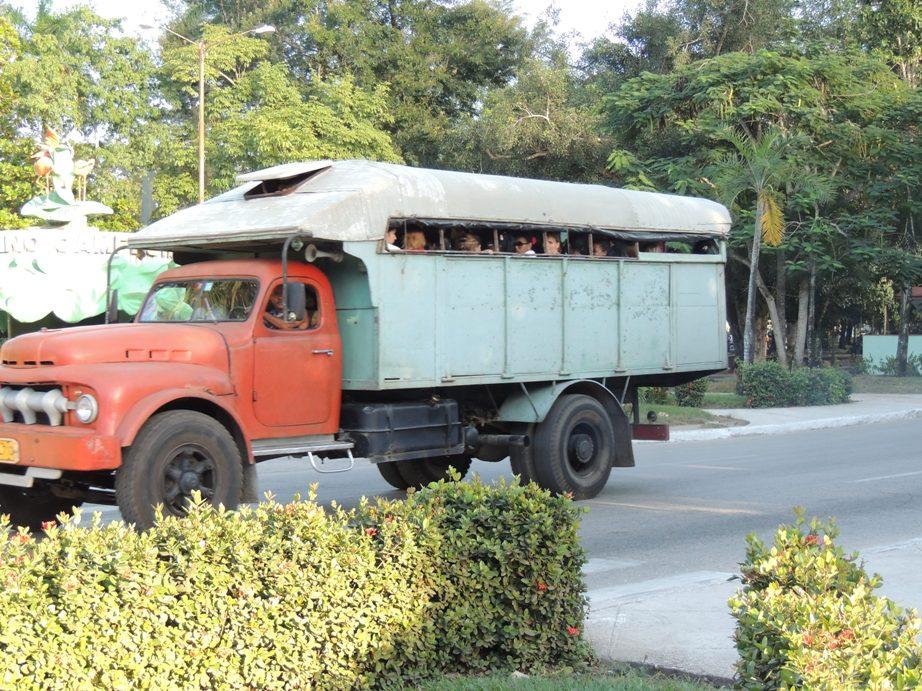 Openbaar vervoer in Cuba